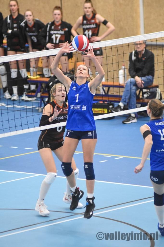 www.volleyinfo.nl-103