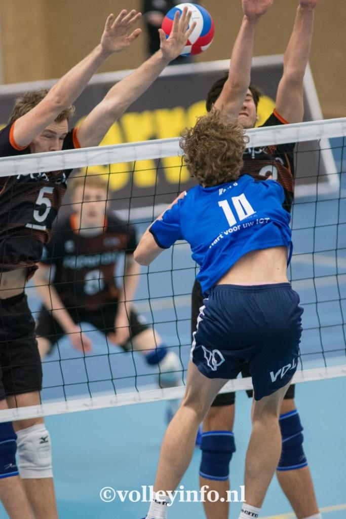 www.volleyinfo.nl-417