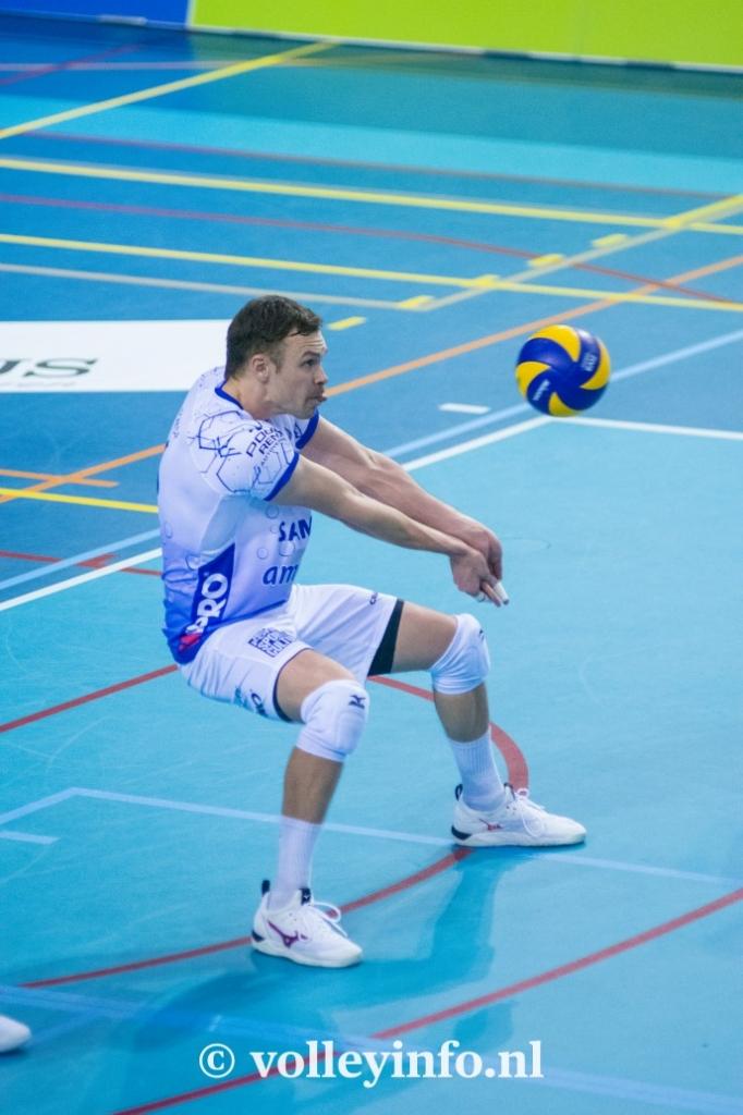 www.volleyinfo.nl-771