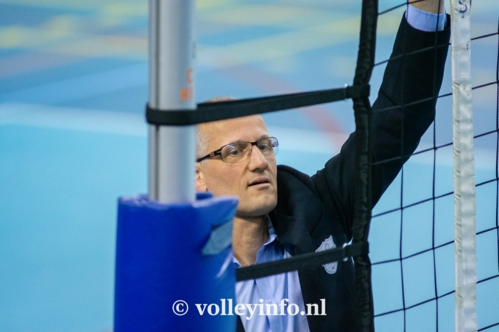 www.volleyinfo.nl-851