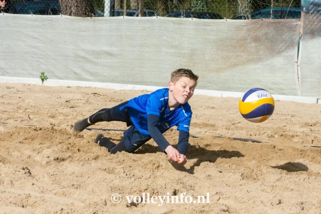 www.volleyinfo.nl-944
