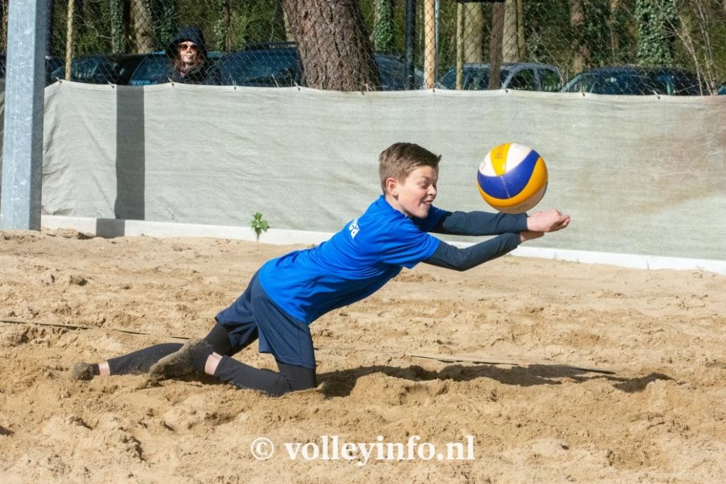 www.volleyinfo.nl-947