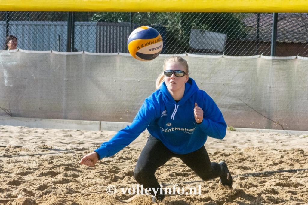 www.volleyinfo.nl-958