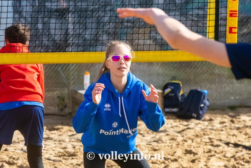 www.volleyinfo.nl-962
