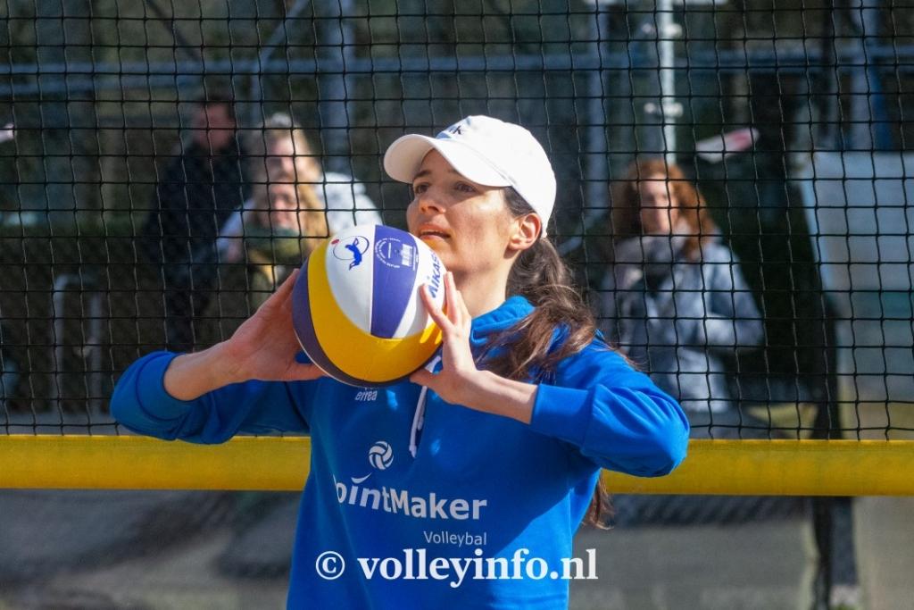www.volleyinfo.nl-975