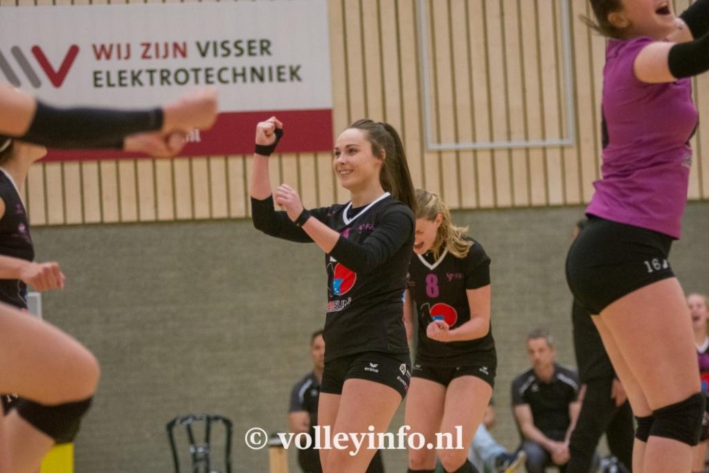 www.volleyinfo.nl-1104