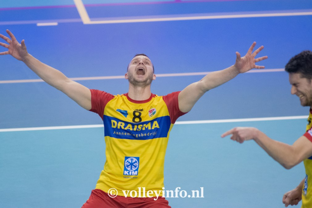www.volleyinfo.nl-1217