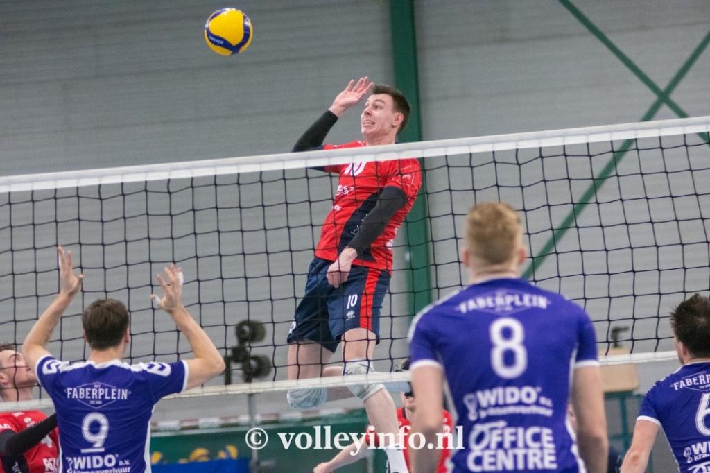 www.volleyinfo.nl-1300