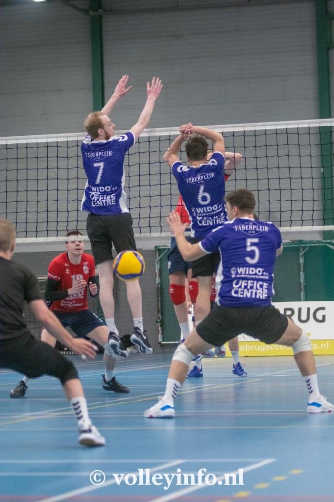 www.volleyinfo.nl-1304