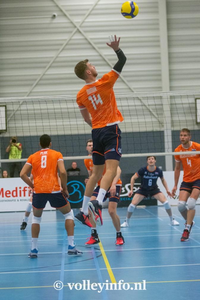 www.volleyinfo.nl-1357