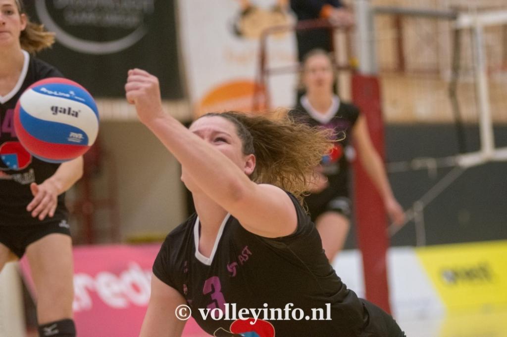 www.volleyinfo.nl-1442